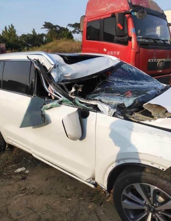 Hình ảnh vụ tai nạn được chủ xe đăng tải trên mạng xã hội.