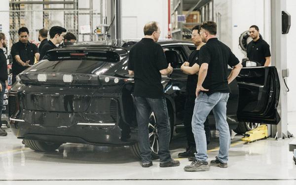 Con đường dẫn đến phá sản của người thách thức Tesla - Ảnh 1.