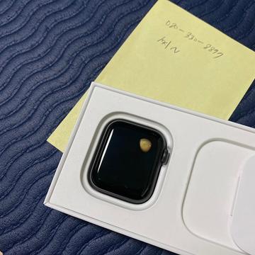 Apple Watch SE gặp lỗi quá nhiệt, khiến người dùng bị bỏng và làm hỏng màn hình - Ảnh 2.