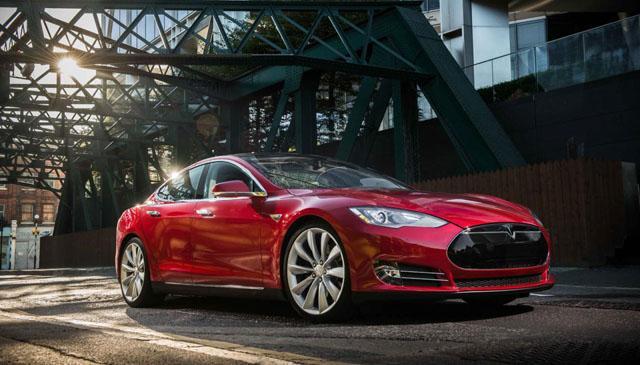 Chạy xe Tesla về nông thôn không có cọc sạc, tài xế Trung Quốc chọn dùng phương án cực kỳ liều lĩnh - Ảnh 1.