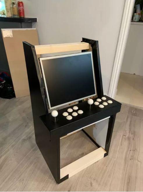 Chỉ tốn 3 triệu đồng, ông bố này đã tự xây dựng được 1 cỗ máy game thùng cực chất để con trai tha hồ chơi loạt game kinh điển - Ảnh 6.