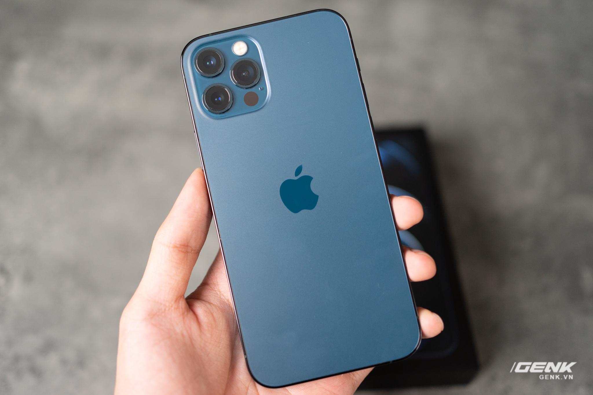 CEO Telegram chê iPhone 12 Pro lỗi thời, 'chẳng khác gì iPhone 5 thêm cụm  camera xấu xí' - BAAO.VN