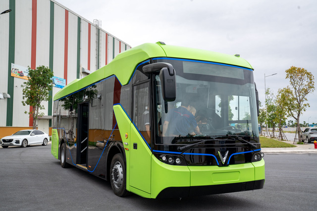 VinFast bắt tay đối tác của Audi, BMW và Mercedes xây trạm sạc xe buýt lớn nhất ASEAN tại Việt Nam - Ảnh 2.