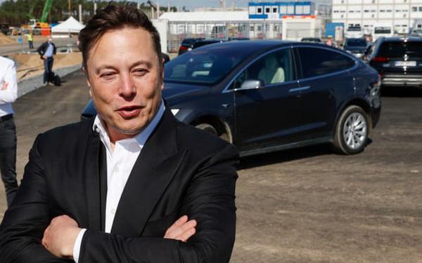 Elon Musk kể về lần chỉ còn 1 tháng nữa là Tesla phá sản, đã tiết lộ trong ngày Cá tháng 4 năm 2018 nhưng không ai tin! - Ảnh 1.