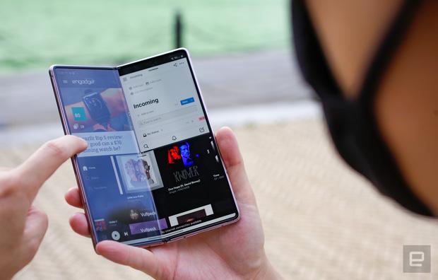 """Nhìn lại cuộc đua smartphone những năm gần đây: Người dùng đang bị """"lừa"""" bởi rất nhiều thứ thừa thãi đến vô lý! - Ảnh 5."""