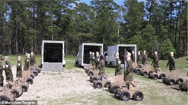 Quân đội Mỹ dùng robot có thể chửi thề bằng 57 ngôn ngữ nếu bị bắn trúng làm bia tập bắn - Ảnh 2.