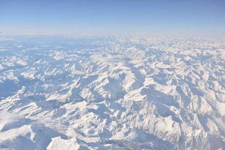 Tại sao các máy bay dân dụng hiếm khi bay qua dãy Himalaya? - Ảnh 5.