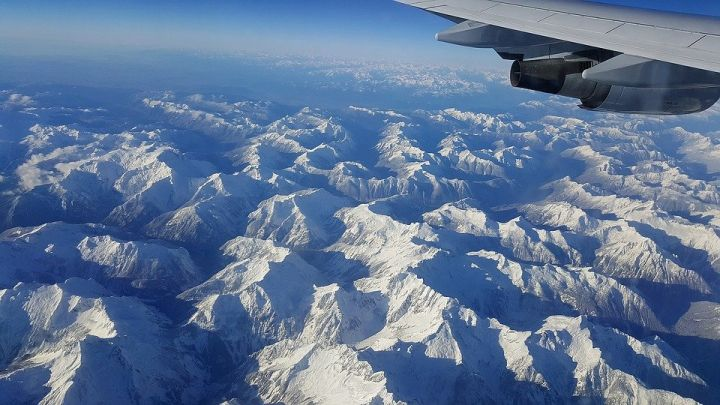 Tại sao các máy bay dân dụng hiếm khi bay qua dãy Himalaya? - Ảnh 7.