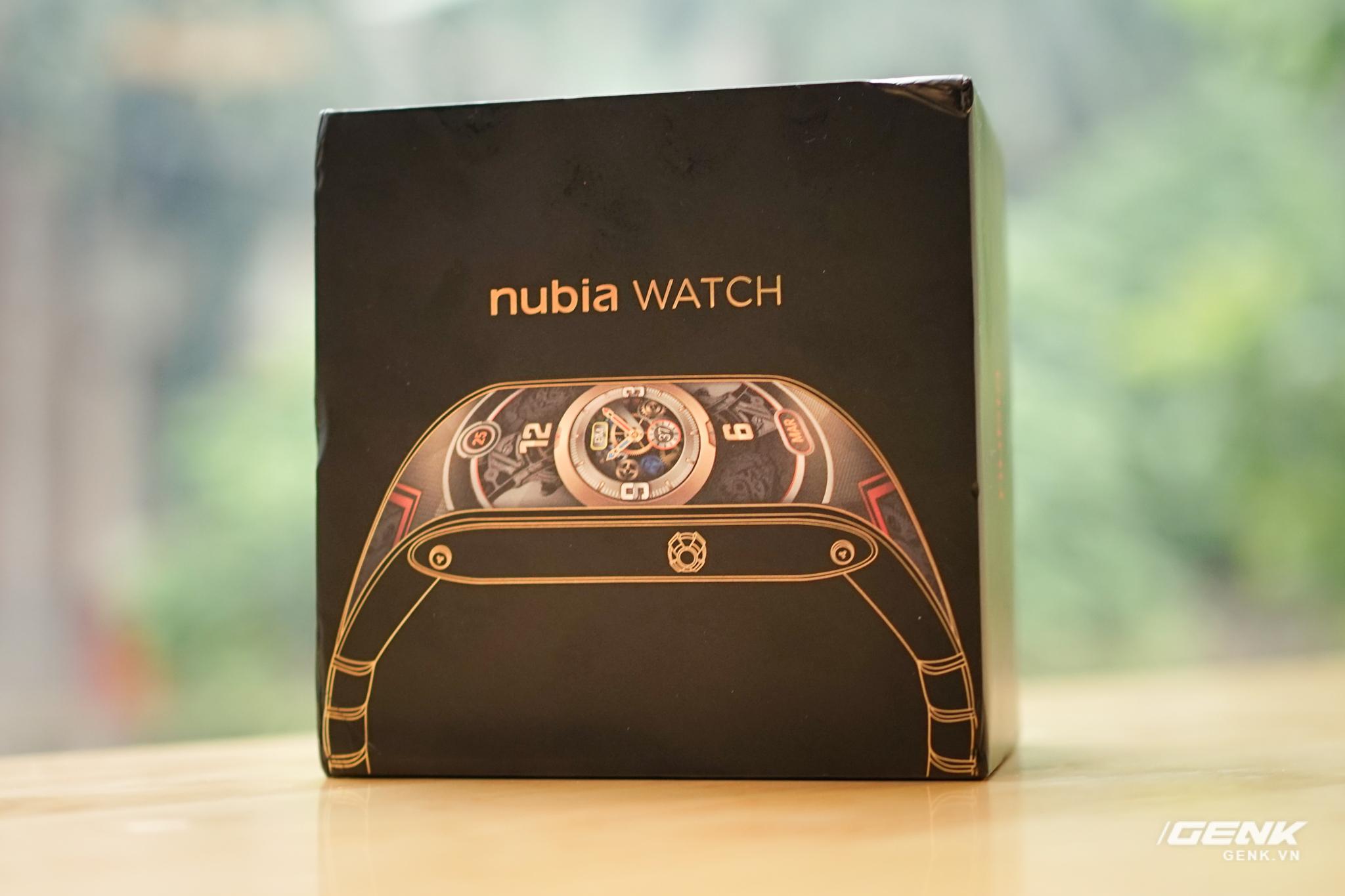Trên tay Nubia Watch: Smartwatch màn hình uốn dẻo siêu dị không dành cho người bình thường - Ảnh 1.