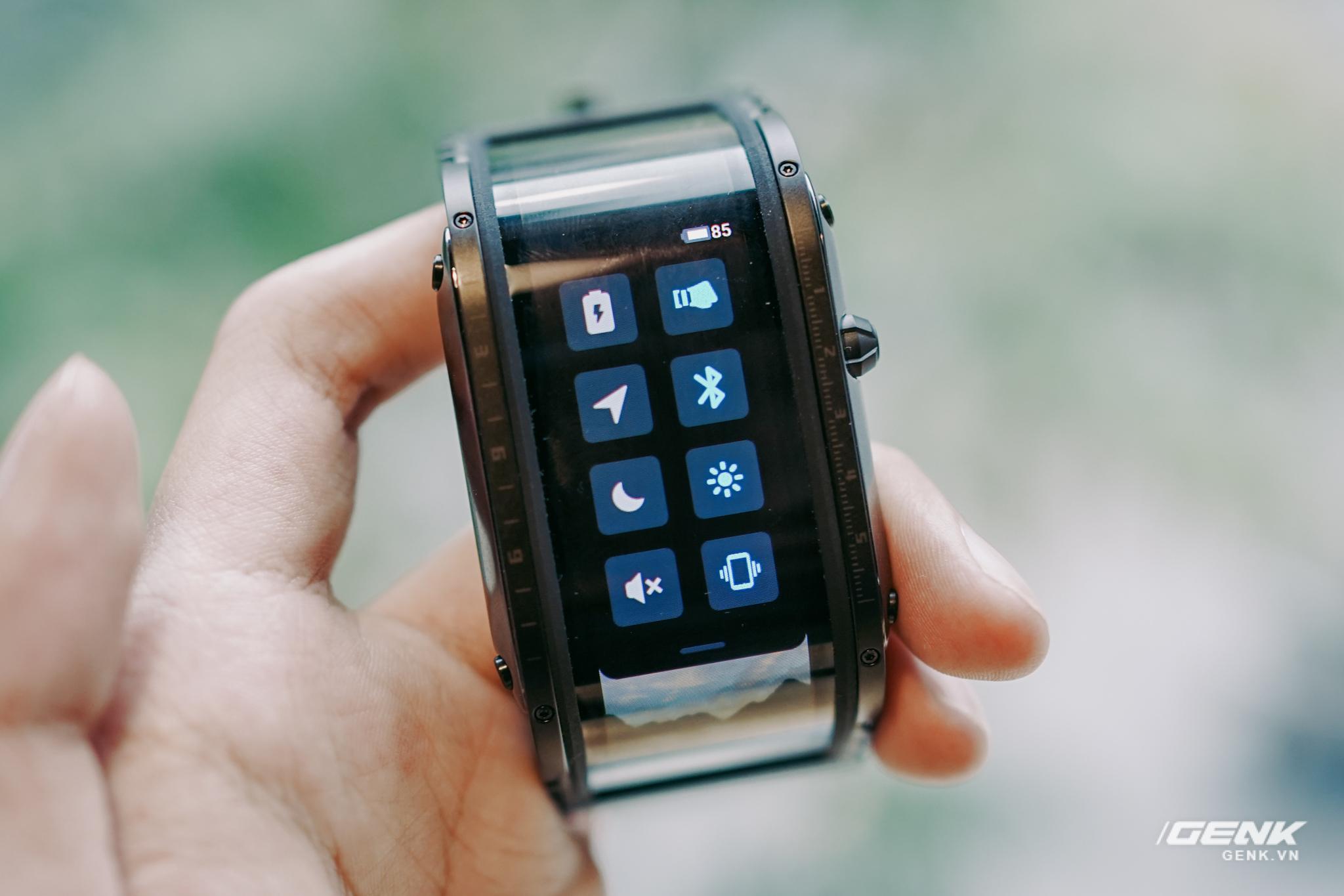 Trên tay Nubia Watch: Smartwatch màn hình uốn dẻo siêu dị không dành cho người bình thường - Ảnh 12.
