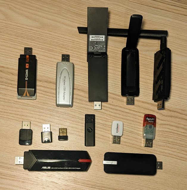 Những thiết bị phát sóng được sử dụng để hack iPhone từ xa.