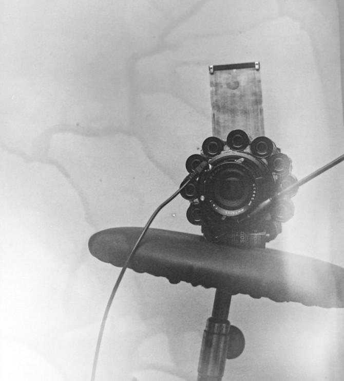 YouTuber kiêm nhiếp ảnh gia biến hàng trăm vỏ film 35mm thành máy ảnh film cực độc - Ảnh 2.