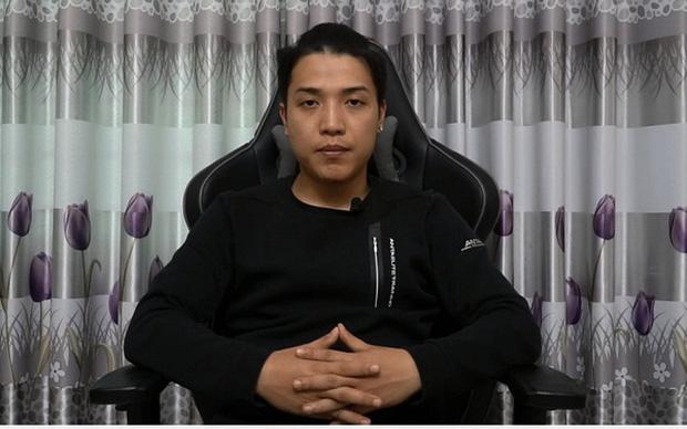 NTN Vlogs - YouTuber gây tranh cãi nhất Việt Nam tuyên bố bỏ kênh 8 triệu sub: Tôi thấy mình đang tụt dốc, mệt và đã đến lúc phải ra đi - Ảnh 1.
