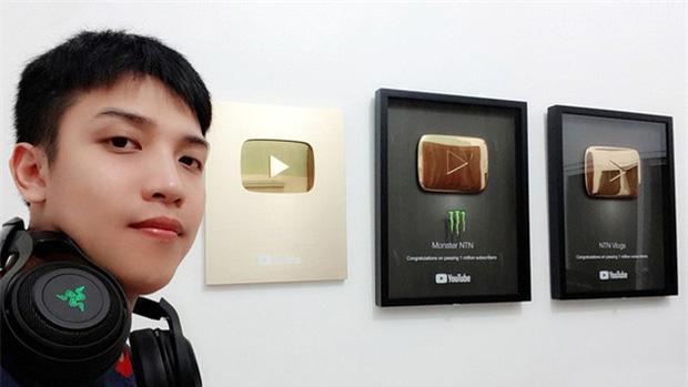 NTN Vlogs - YouTuber gây tranh cãi nhất Việt Nam tuyên bố bỏ kênh 8 triệu sub: Tôi thấy mình đang tụt dốc, mệt và đã đến lúc phải ra đi - Ảnh 2.