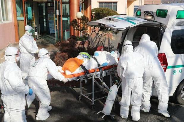 Hàn Quốc trở thành ổ dịch virus corona lớn thứ 2 thế giới: 7 người chết, 761 trường hợp nhiễm bệnh - Ảnh 1.