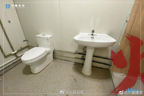 Bên trong bệnh viện dã chiến được Trung Quốc xây thần tốc trong 10 ngày để đối phó virus Vũ Hán - Ảnh 8.