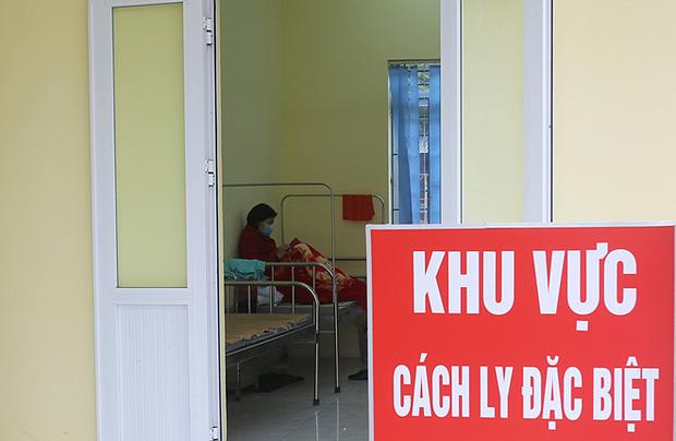 Chủ tịch TP Hà Nội: Có dấu hiệu nghi nhiễm Covid-19 phải gọi ngay hotline, trung tâm cấp cứu chịu trách nhiệm chở người bệnh đến bệnh viện - Ảnh 3.