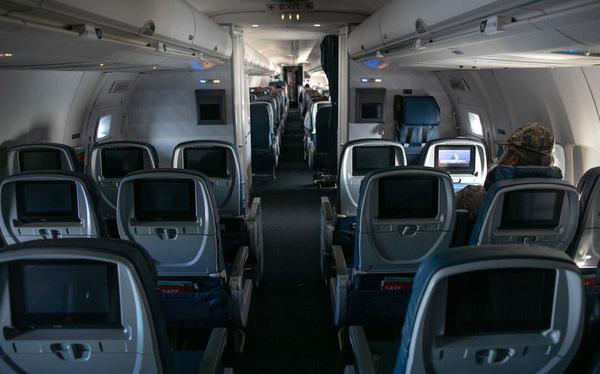 Bloomberg: Dịch Covid-19 có thể khiến hầu hết các hãng hàng không phá sản cho tới tháng 5 - Ảnh 1.