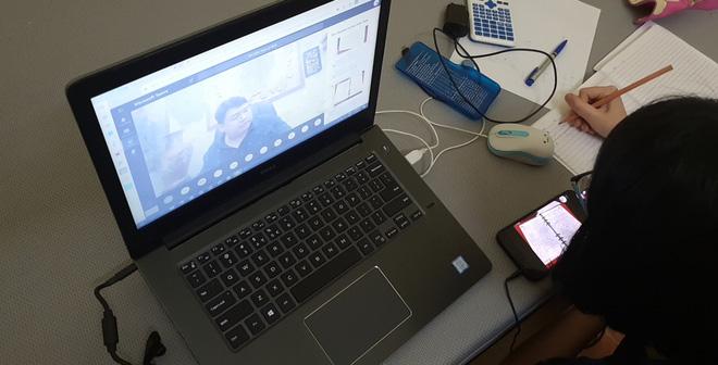 """Giáo viên lên mạng xã hội kêu gọi """"giải cứu"""" ứng dụng học online trước bão đánh giá 1 sao của học sinh Việt - Ảnh 1."""