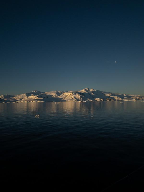 Đi tìm minh chứng về biến đổi khí hậu tại Nam Cực bằng một chiếc iPhone - Ảnh 13.
