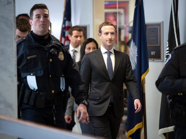 Tiết lộ chi phí bảo vệ bản thân của giới tỷ phú công nghệ: Tim Cook tiêu ít bất ngờ, Mark Zuckerberg làm cả hầm trú ẩn trong nhà - Ảnh 17.
