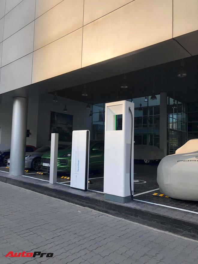 Porsche Taycan vừa về Việt Nam đã có trạm sạc riêng: Thời gian sạc còn nhanh hơn điện thoại - Ảnh 8.