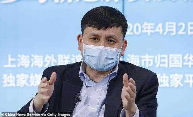 Chuyên gia Trung Quốc đề xuất cho nhân viên công sở ngồi cạnh người họ ghét để thực hiện giãn cách xã hội tốt hơn - Ảnh 1.