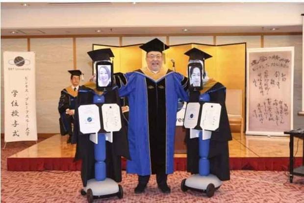 Không thể nhịn cười với loạt ảnh tốt nghiệp mùa dịch: Sinh viên Nhật Bản xứng đáng ngôi vị lầy nhất thế giới - Ảnh 5.