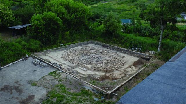 Phát hiện cấu trúc khổng lồ được làm từ xương voi ma mút 25.000 năm trước - Ảnh 3.
