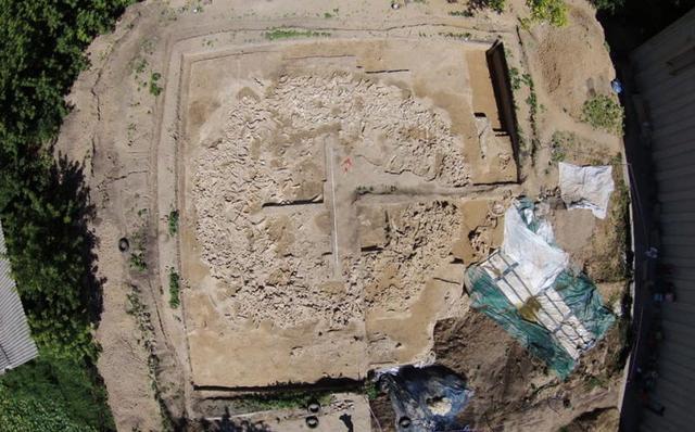 Phát hiện cấu trúc khổng lồ được làm từ xương voi ma mút 25.000 năm trước - Ảnh 4.