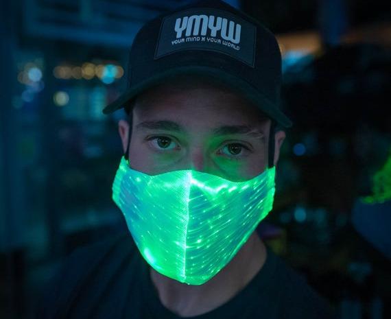 Nhà khoa học MIT đang phát triển những chiếc khẩu trang tự động phát sáng khi dính virus corona - Ảnh 1.