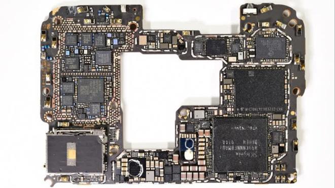Mổ xẻ Huawei Mate 30: Gần như không còn bóng dáng linh kiện Mỹ - Ảnh 3.