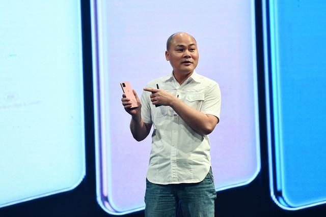 Bước đi mới của Bkav: Sau Bphone cao cấp là điện thoại 4G siêu rẻ - Ảnh 1.