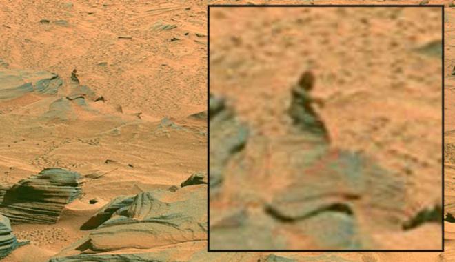 Những hình ảnh kỳ lạ nhất từng được chụp trên sao Hỏa - Ảnh 10.