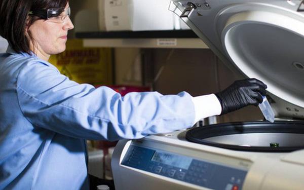 Giáo sư MIT sắp trở thành tỷ phú nhờ đầu tư vào công ty có tiềm năng sản xuất thành công vắc xin chống Covid-19 - Ảnh 1.