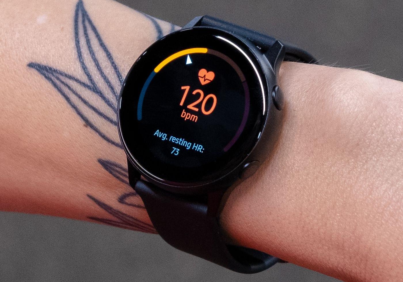 Đi sau Apple trong mảng smartwatch, các nhà sản xuất Android đã để lỡ một cơ hội quan trọng trong lúc dịch bệnh khó khăn - Ảnh 3.