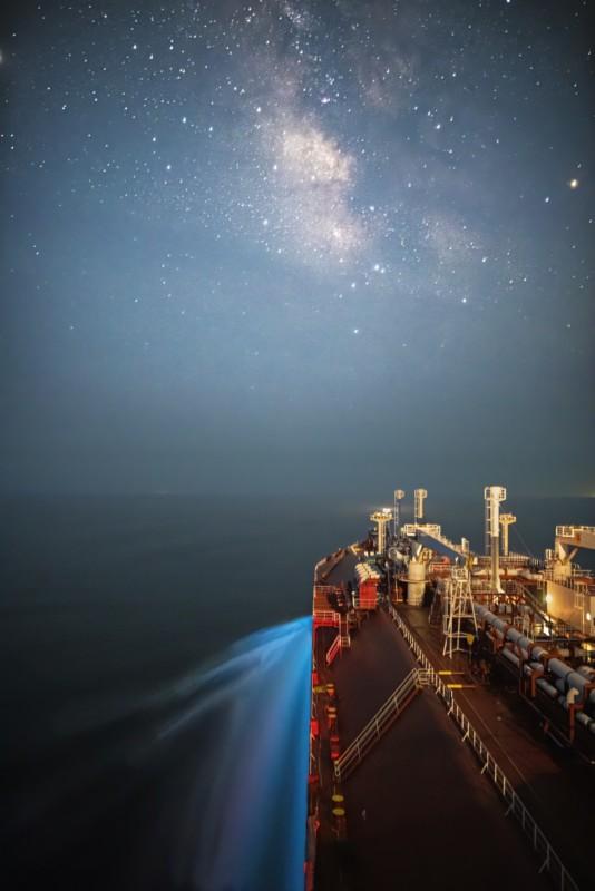 Theo đuổi đam mê chụp ảnh thiên văn trên tàu chở hàng giữa biển khơi bao la - Ảnh 3.