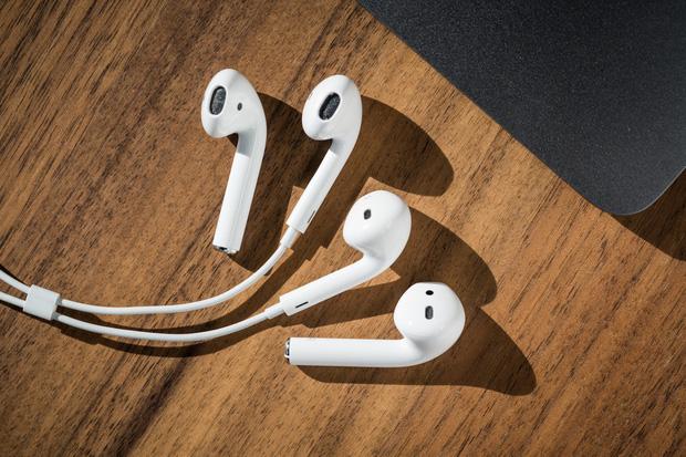Bí ẩn đằng sau sự thành công của Airpods, sản phẩm Apple hot nhất năm khiến ai cũng muốn sở hữu - Ảnh 2.