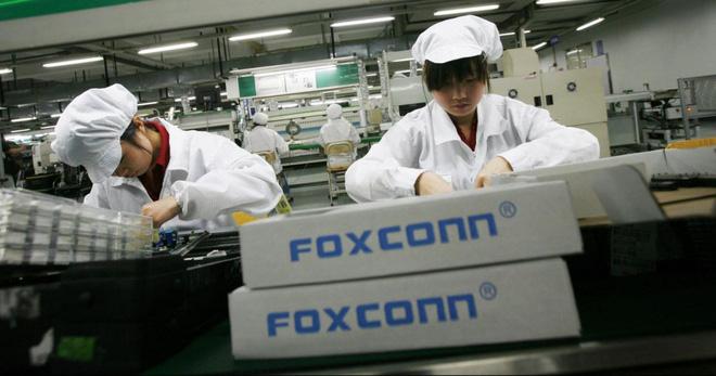 Dân mạng Trung Quốc sôi sục vì thông tin Apple sẽ lắp ráp tai nghe AirPods tại Việt Nam - Ảnh 2.