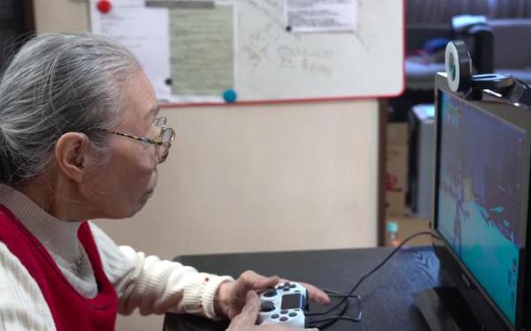Game thủ 90 tuổi già nhất thế giới thành ngôi sao YouTube: Chơi game rất thú vị, thật không công bằng nếu chỉ tụi trẻ được chơi - Ảnh 1.