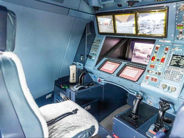 Khoang điều khiển vòi nhiên liệu của Airbus A330 MRTT