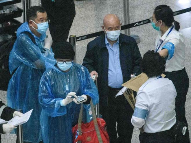 Đây là thiết bị công nghệ ai đến Hong Kong cũng đều phải đeo, nếu vi phạm sẽ bị phạt tù 6 tháng - Ảnh 2.