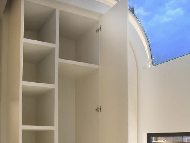 Bên trong căn nhà thông minh dành cho 4 người có thiết kế như tàu vũ trụ - Ảnh 5.