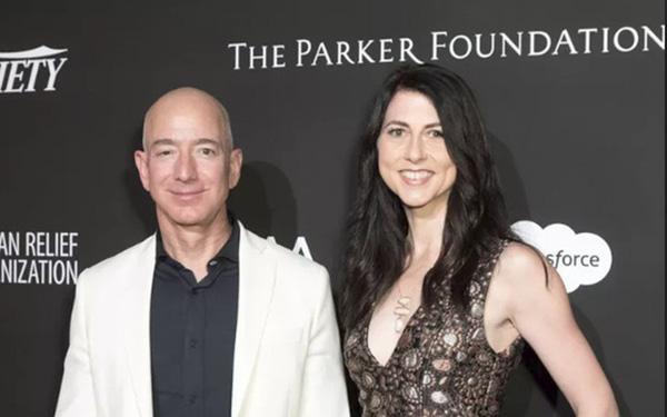 Vì sao vợ cũ của tỷ phú Amazon lại được xem là nữ anh hùng, khiến ông dù có tình mới vẫn phải nể trọng vài phần? - Ảnh 1.