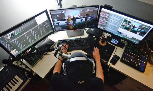 Game streamer, nghề ăn nên làm ra nhờ giãn cách xã hội - Ảnh 1.