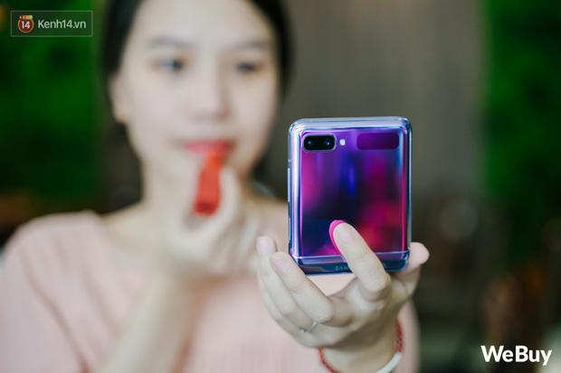 Chuyện nàng Low-tech dùng đồ Hi-tech: Khi điện thoại biến thành trang sức, sang chảnh vô cùng - Ảnh 4.