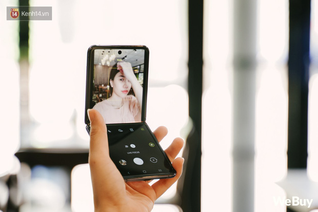 Chuyện nàng Low-tech dùng đồ Hi-tech: Khi điện thoại biến thành trang sức, sang chảnh vô cùng - Ảnh 6.