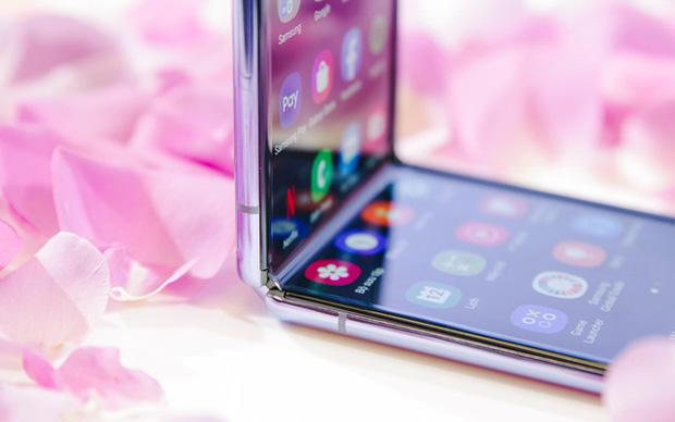 Chuyện nàng Low-tech dùng đồ Hi-tech: Khi điện thoại biến thành trang sức, sang chảnh vô cùng - Ảnh 7.