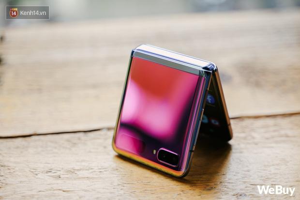Chuyện nàng Low-tech dùng đồ Hi-tech: Khi điện thoại biến thành trang sức, sang chảnh vô cùng - Ảnh 8.