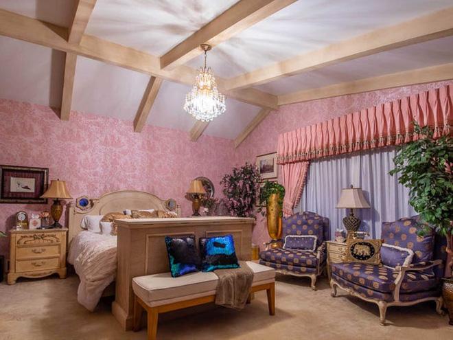 Không ai tin căn nhà nhỏ này có trị giá tới 18 triệu USD cho tới khi khám phá bí mật được ẩn giấu bên trong - Ảnh 15.